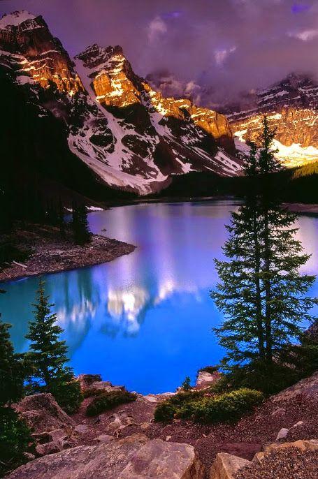 Восход солнца на озере Морейн, Банф #мирпрекрасен #мир_необычного #amazing #пейзаж #beautiful