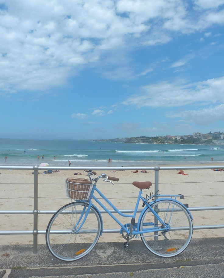 Love this cute blue cruiser! beachcomber: bondi blue day