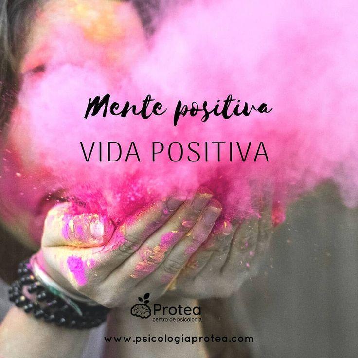 Mente positiva = Vida positiva 😊Entrena a tu mente para que busque 🔭activamente la parte positiva de todo. Por muy difícil que nos pueda parecer una situación siempre podemos aprender algo de ella. Ánimo!💪🔝 Psicología Protea 🌷