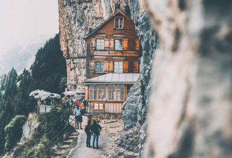 10 Most Beautiful Places in Switzerland. The Switzerland beauty is incredible. From the most beautiful cities in Switzerland to most beautiful lakes, it is a must see!