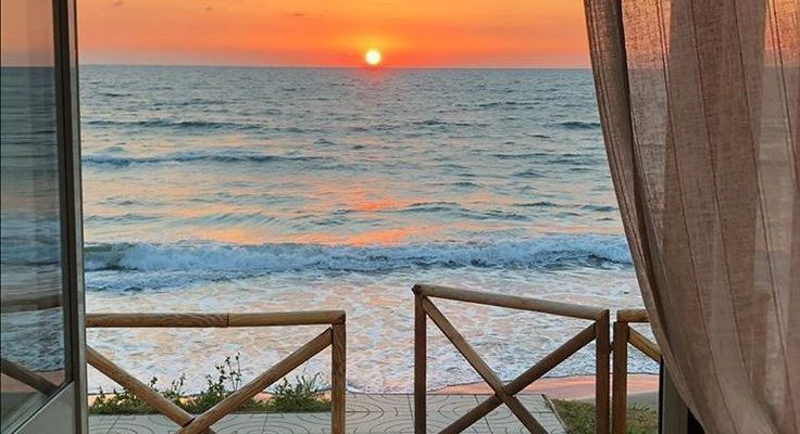 Sie könnten zum selben Strand gehen wie alle anderen, oder Sie könnten - #alle #anderen #gehen #himmel #könnten