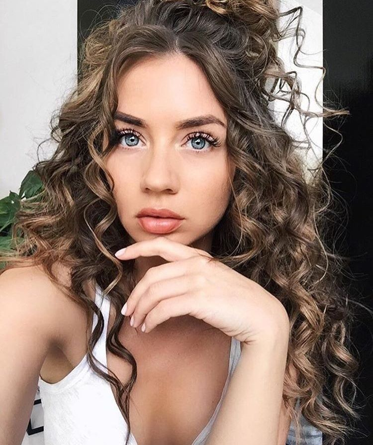 Marvelous 20 Fun and Sexy Hairstyles for Naturally Curly Hair fashiotopia.com/... If you would like your hair to remain set for the whole day, just rub in some gel. If you're blessed with naturally curly hair,