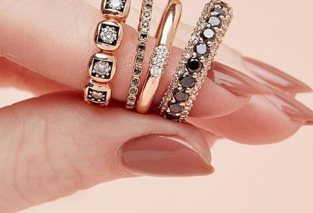 24 Unique Black Diamond Engagement Rings ❤️ black diamond engagement rings wedding set gold simple ❤️ More on the blog: ohsoperfectpropos...
