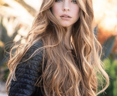 25 Beautiful Long Hairstyle for This Fall #mydailypins.com #womenfallhairstyle #womenfashionideas #womenhairstyle