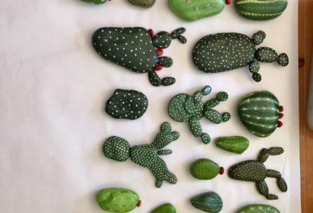 Painted rock cactus #cactuspainted #paintedrock #cactus #cactusart