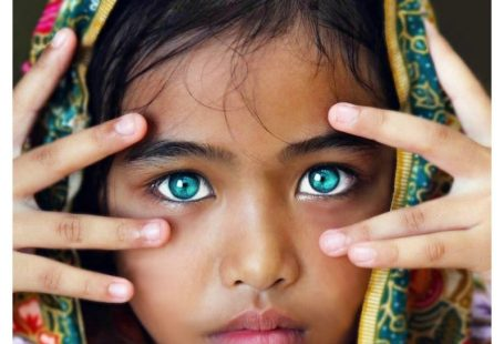 16 People with the Most Striking Eyes in the World