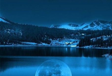 Moon in Cold Lakes iPhone 5 Wallpaper
