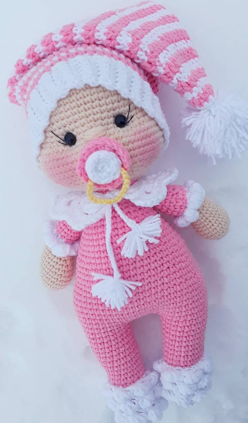 8 Free and Easy Amigurumi Patterns for Beginners | FeltMagnet | 1350x793