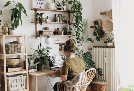 Met een paar handige tools ruil jij jouw fijne bureautje om voor een professionele variant en zul je merken dat je veel meer inspiratie hebt. The Daily Dutchy gaat je helpen jouw eigen thuiskantoor te maken waardoor werken voortaan geen probleem meer is.  #thedailydutchy #onlinemagazine