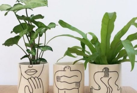 45 Easy and Beautiful Pottery Painting Ideas for Beginners - HERCOTTAGE