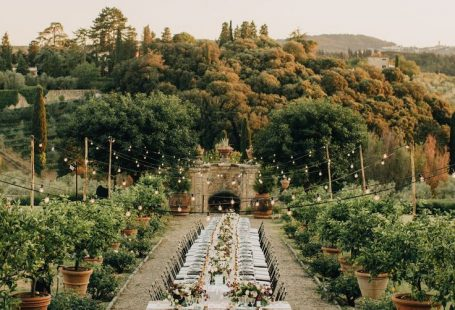 Greenery wedding decor and inspirations ideas Perfect for an outdoor, greenery and botanical nature wedding! With beautiful and rustic style
