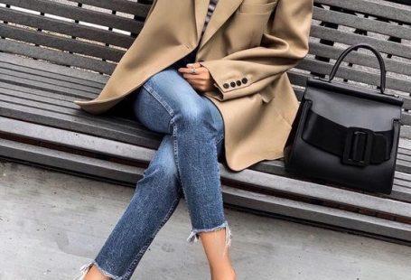 Blazer, jeans and stiletto