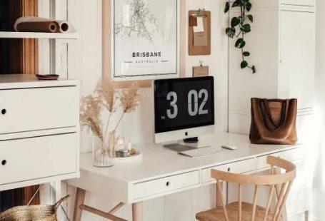 Bureau blanc – Wit bureau in een werkruimte – Scandi boerderijstijl – Winkelen #hausinterieurs Bureau blanc Wit bureau in een werkruimte Scandi boerderijstijl Winkelen #Dekoration