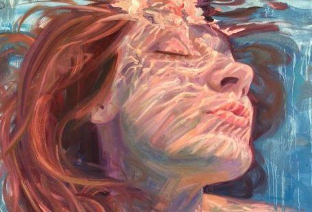 Californian Artist Isabel Emrich Paints Dazzling Depictions Of Women Submerged Underwater 🌊