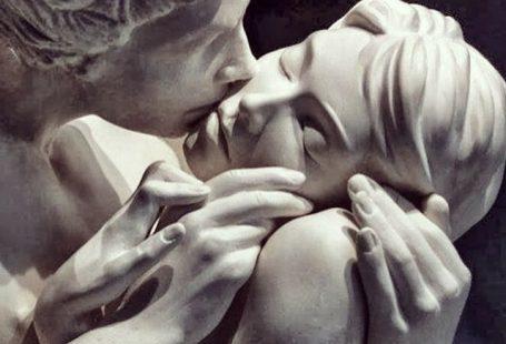 Die Liebenden schweigen. Liebe ist die schönste Stille, die ängstlichste, die unerträglichste. - Jaime Sabines Más  - Morticia Addams - #Addams #ängstlichste #die #ist