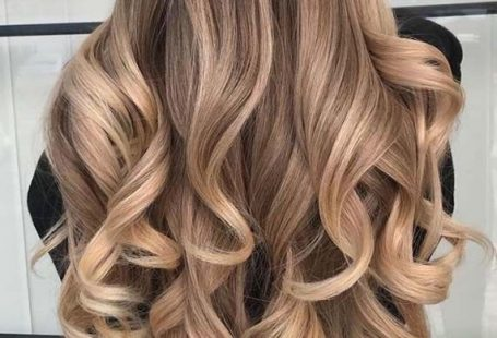 Dimantional Blond Balayage Highlights for 2019. Beautiful ideas of long balayage blonde hairstyles.