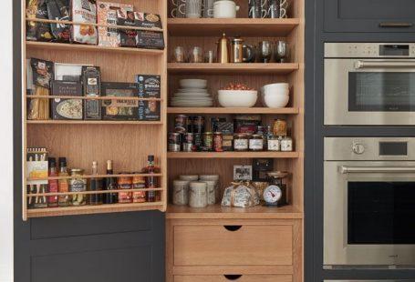 Donkergrijze keuken in shaker-stijl #donkergrijze #keuken #shakerstijl