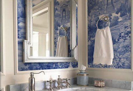 Enjoy a classic English park in this Blue Garden. #interiordesign #interiordesigner #bluehome #classichome