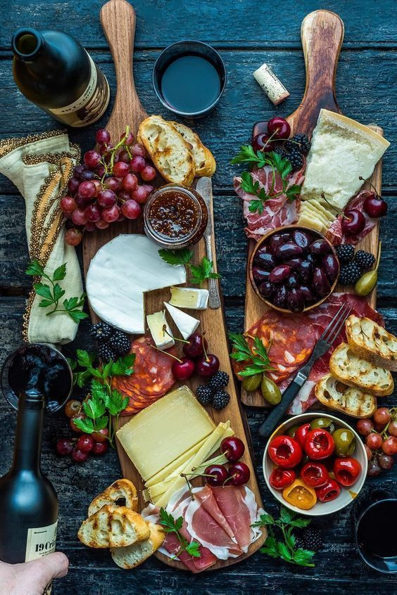 Spoiler Alert: Charcuterie boards are no longer just for meats and cheeses! We love these beautiful appetizers that create a real statement and beautiful focal point on your table. But where do you start? We're breaking down the key tips to a perfect board on the site today.#budgetfriendly #budgetbride #charcuterie