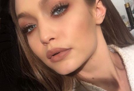Gigi Hadid Shares Her Genius Trick For Applying Lipstick