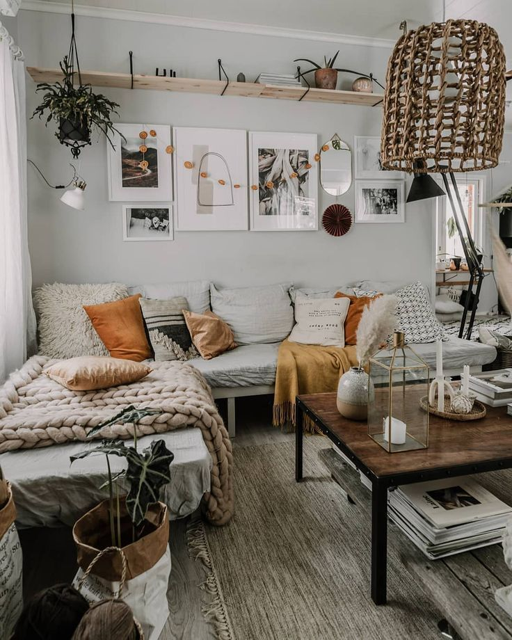 - A mix of mid-century modern, bohemian, and industrial interior style. Home and apartment decor, decoration ideas, home design, bedroom, living room, dining room, kitchen, bathroom, office, simple, modern, contemporary, boho, bohemian, beach style, industrial, rustic, DIY project inspiration, furniture, bed, table, chair, architecture, building, interior, exterior, lighting