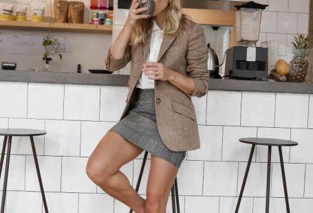 Ideeën voor een eerste date: tweedblazer en minirok - #bla ...  #bla #date #een #eerste