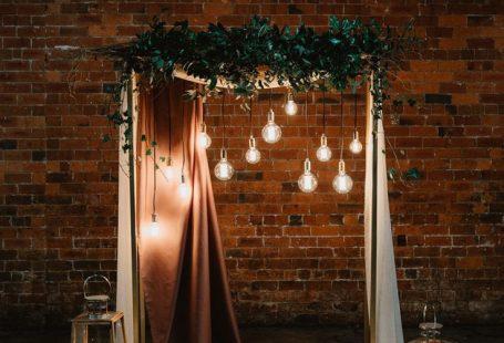 Industrial Violet & Greenery Succulents & Edison Lighting Wedding Ideas - #Edison #Greenery #Ideas #Industrial #Lighting