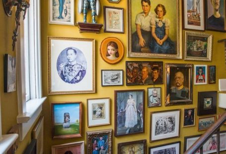 Inside the surreal home of artists Marion Peck and Mark Ryden - Curbed LAclockmenumore-arrowConcert : The decor, much of it from the Rose Bowl flea market, is truly eccentric