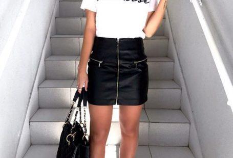 Mini Etek Kombinleri Siyah Deri Etek Beyaz Kısa Kollu Tişört