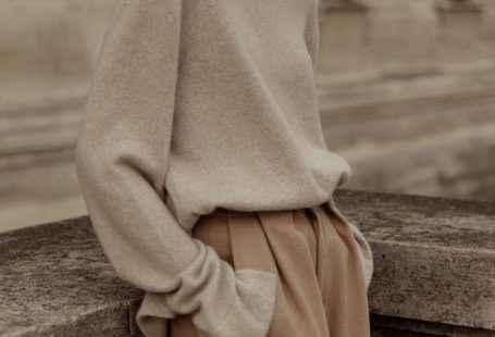 Fall fashion. Minimalist fashion.