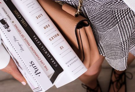 Must read books for Every Girl Boss - Danielle Vella - Melbourne Lifestyle and Beauty Blogger