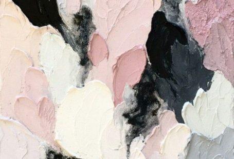 An oil painting by Australian artist Lisa Madigan.