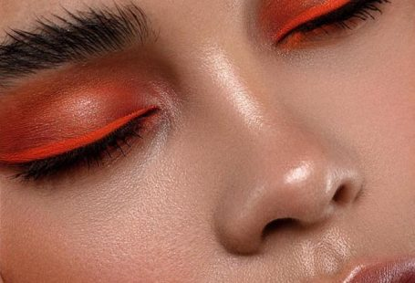"""Sara Hill ▹ Makeup Artist on Instagram: """"🔥🍊~ Neon Orange 🍊 🔥 on the beauty Raya for the amazing @thearcadiaonline magazine ❤️ Eyes > @hudabeauty OBSESSIONS PALETTE ELECTRIC & Room…"""""""
