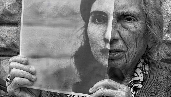 91-year-old-mother-playful-photography-elderly-women-strange-ones-tony-luciani-1