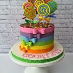 SPOTLIGHT INTERVIEW: LORNA JANE CAKE DESIGNS  Beautiful cakes need to be photographed beautifully, and so once again it was the quality of this baker/ cake decorator