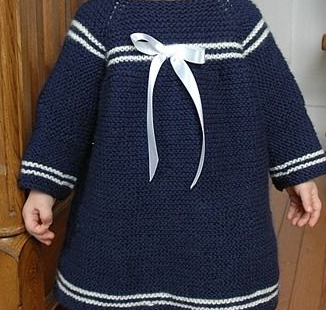THIS IS SO CUTE! ♥ Imagine dressing up your little child or grandchild in this Sweet Sailor Knit Dress Pattern for a day out sailing.