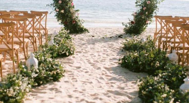 Perfect aisle and ceremony backdrop for a destination or beach wedding. #weddingidea #beachwedding #destinationwedding