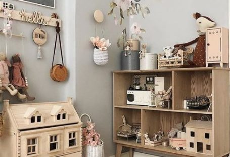 Top 10 Kids Room Decor Ideas With Wooden Elements. Wood is not very beautiful, but safe and healthy too. These kids rooms are decorated with very high sense of taste and are truly amazing