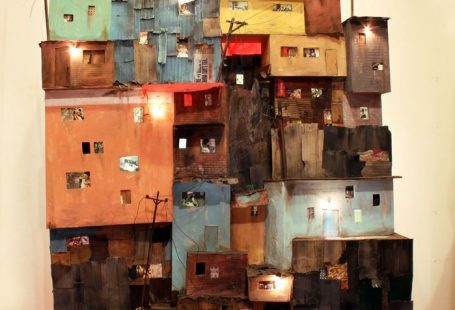 Oakland based artist Tracey Snelling, featured in Hi-Fructose Vol. 35, creates detailed dioramas and installations of urban landscapes. Ranging from miniature to large scale pieces, her installatio…