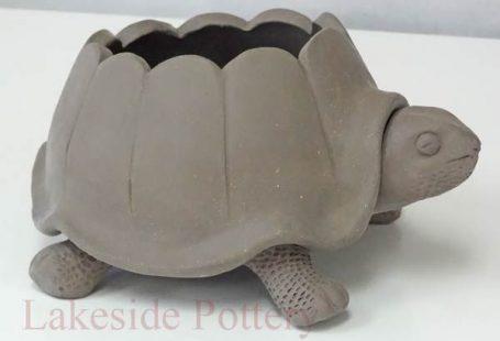 Turtle pinch pot