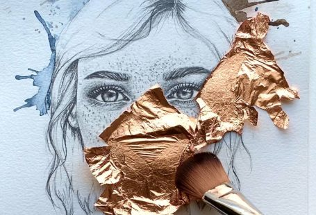 Art prints in limited edition with Gold leaf are available for purchase. #womanart #homedecor #goldleaf #goldart #wip