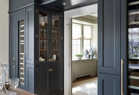 greige: interior design ideas and inspiration for the transitional home : Beautiful Butler