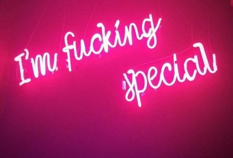 iphone wallpaper pink #hintergrundbildiphone #tapete Im Fucking Special #skincare Im Fucking Special