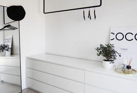 open Scandinavian style closet black and white  Claire C.  open Scandinavian style closet black and white  #Black #Closet #Open #Scandinavian #style