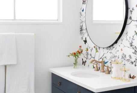 10 bonnes raisons de poser du papier peint dans la salle de bain