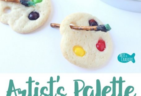 Artists big and small will love these simple Artist Palette Sugar Cookies with Pretzel Paintbrushes