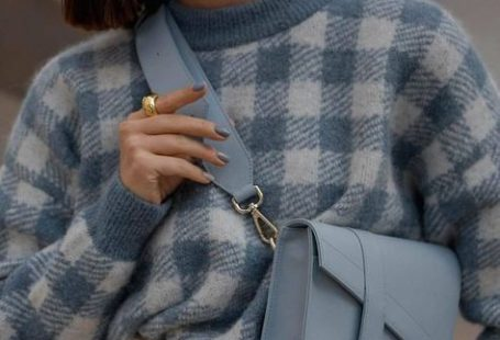 Comment porter un pul avec style ?  Conseils et idées de tenues dans cet article !  #tenuefemme40ans #blogmodefemme40ans #tenuestylée #élégante