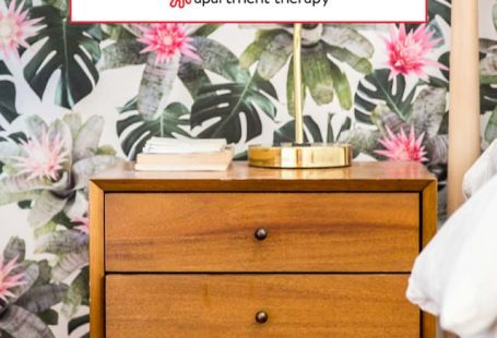 Banish Bare Walls, Even in a Rental: The Best Sources for Removable Wallpaper