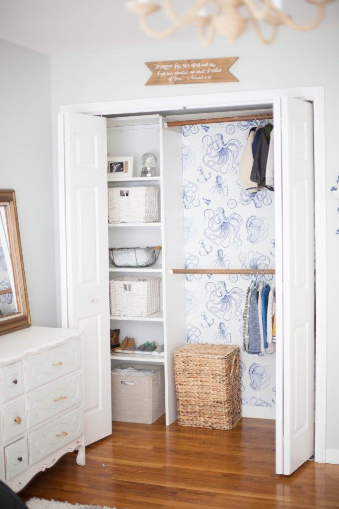 Tips for installing removable wallpaper from Walls Need Love and a cute way to add a big impact to your kid's closet! | @WallsNeedLove #ad | kids bedroom renovations | how to install removable wallpaper | adding wallpaper to your child's room | DIY wallpaper tutorial | how to use removable wallpaper || Lauren McBride
