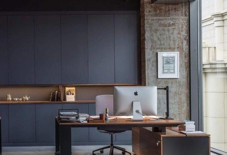 We have selected a fewmodern office ideasthat are not only beautiful, but they will also help you get some work done!